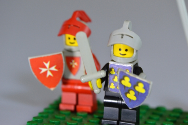 blue-and-red-knight-lego-toys_800